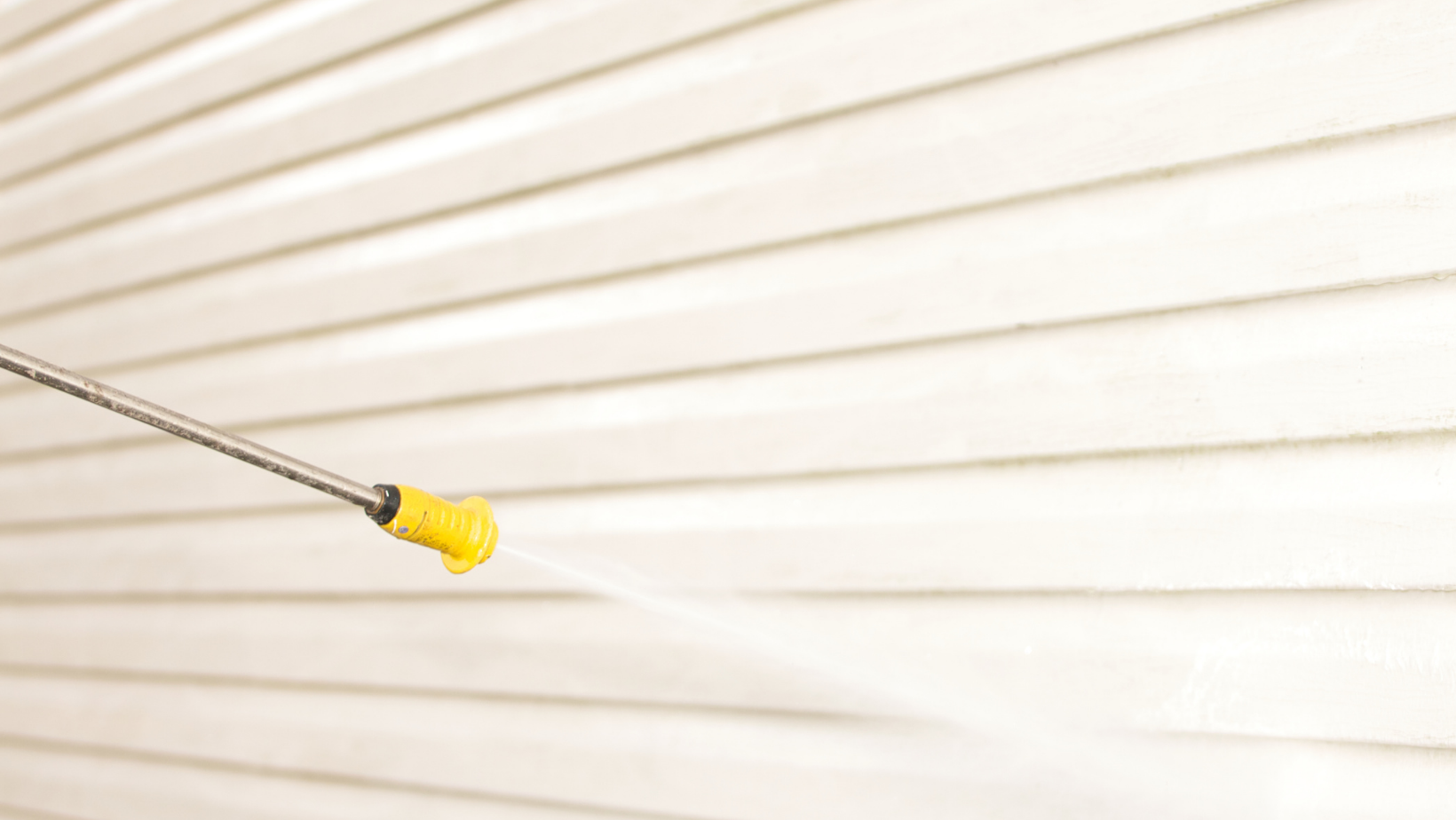 How to Properly Pressure Wash Your Siding